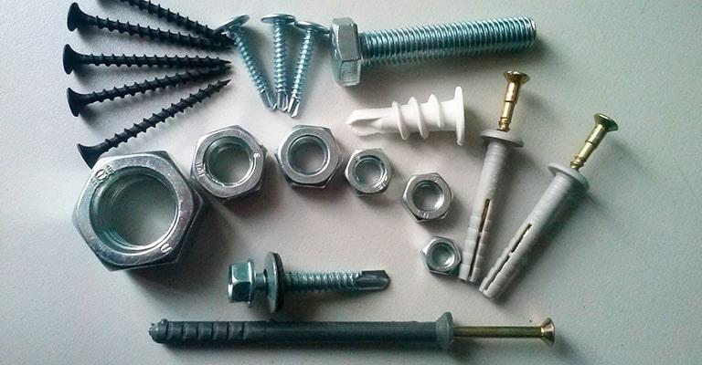 Болты гвозди или шурупы для ремонта